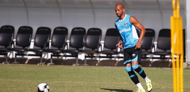 Kadu deixa o Grêmio