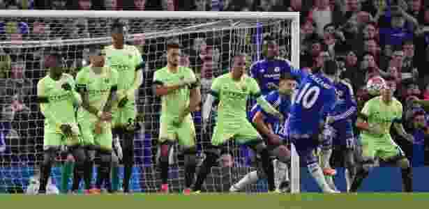 Hazard bate falta e marca um dos quatro gols do Chelsea no segundo tempo - Toby Melville/Reuters - Toby Melville/Reuters