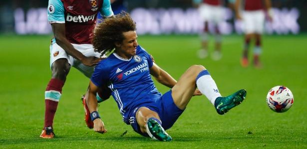 Chelsea, de David Luiz, não conseguiu segurar o West Ham no dérbi