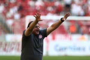 Guto Ferreira vê crescimento no Inter mas mantém alerta: