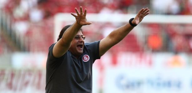 Internacional segue comandado por Guto Ferreira, mas tudo dependerá de melhora