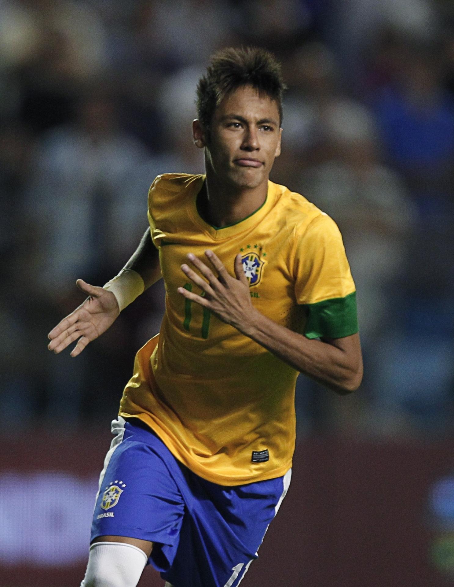 Neymar comemora gol contra a Argentina em amistoso em Buenos Aires, em novembro de 2012