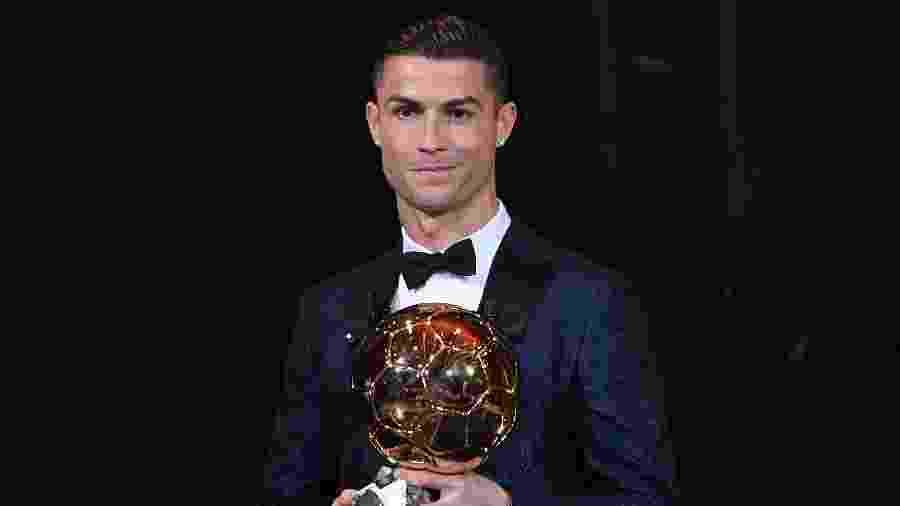 Cristiano Ronaldo vai produzir série de futebol feminino no Facebook ... d42529f263d5b