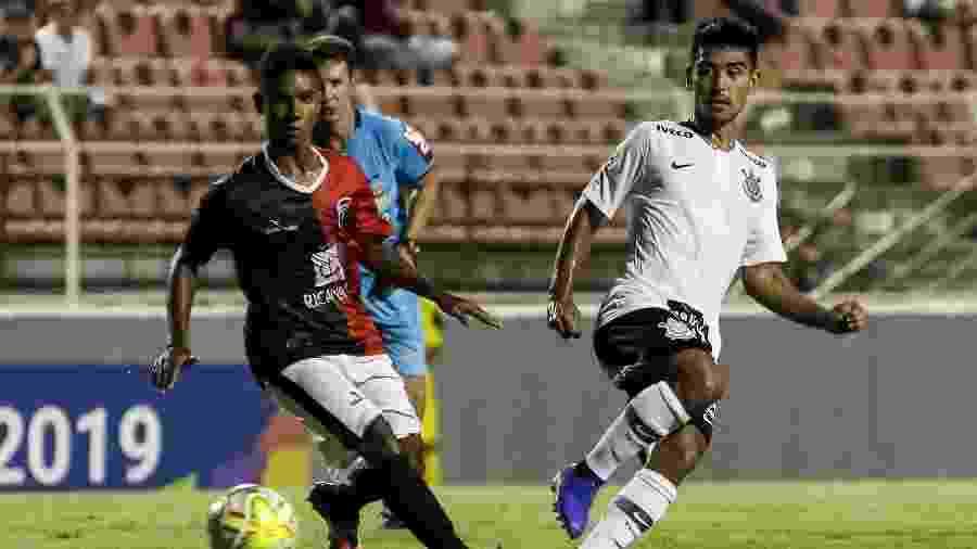 Fabricio Oya, meia do Corinthians, contra o Capital, na Copa São Paulo - RODRIGO GAZZANEL / AGENCIA CORINTHIANS