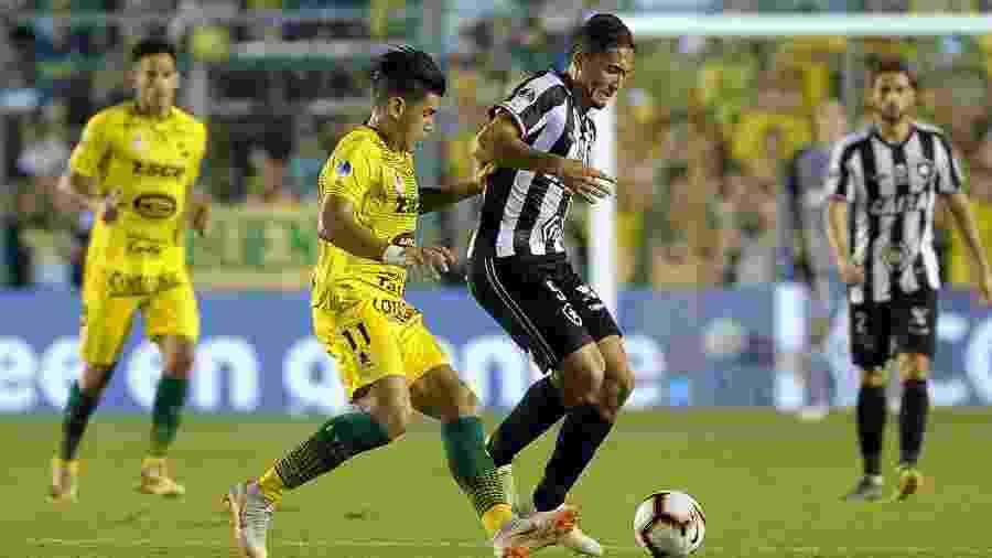 Na primeira fase da Sul-Americana, Botafogo encarou o Defensa y Justicia - Javier Gonzalez Toledo/AFP