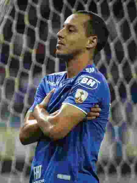 Rodriguinho comemora após marcar pelo Cruzeiro contra o Deportivo Lara - Thomás Santos/AGIF - Thomás Santos/AGIF