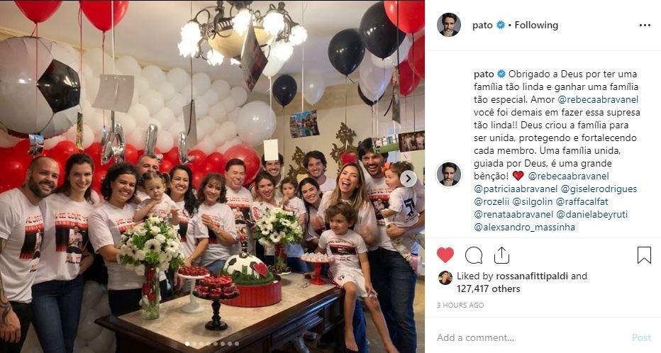 Pato posta foto ao lado de Rebeca Abravanel e Silvio Santos