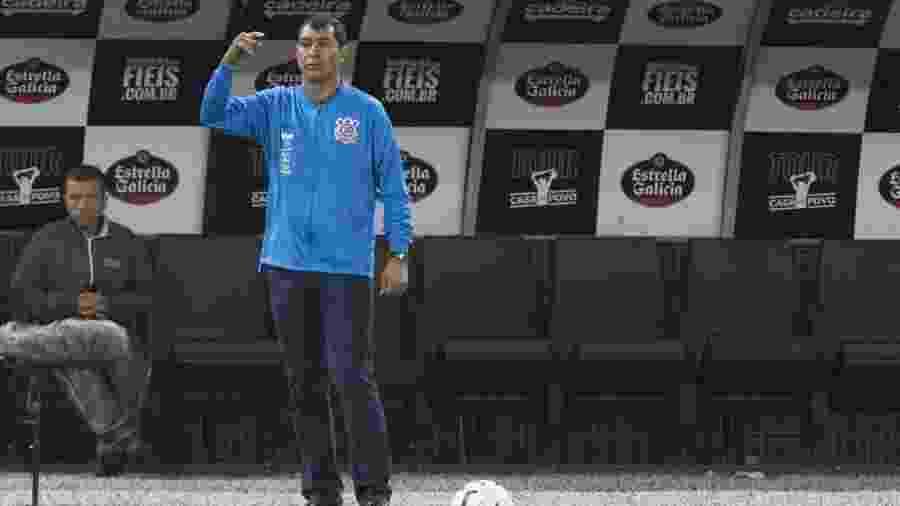 Carille orienta o time do Corinthians durante clássico com o São Paulo - Daniel Augusto Jr. / Ag. Corinthians