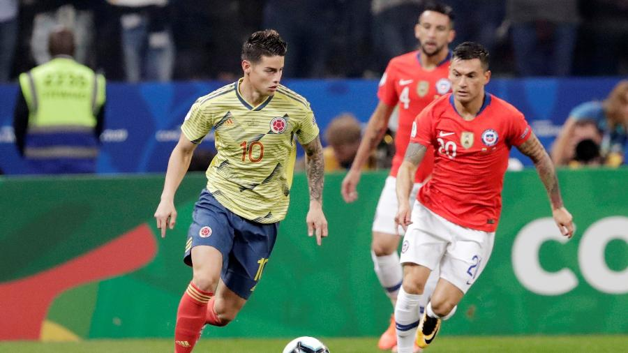 James Rodríguez, durante partida entre Colômbia e Chile - REUTERS/Henry Romero