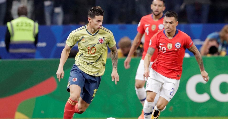 James Rodríguez, durante partida entre Colômbia e Chile
