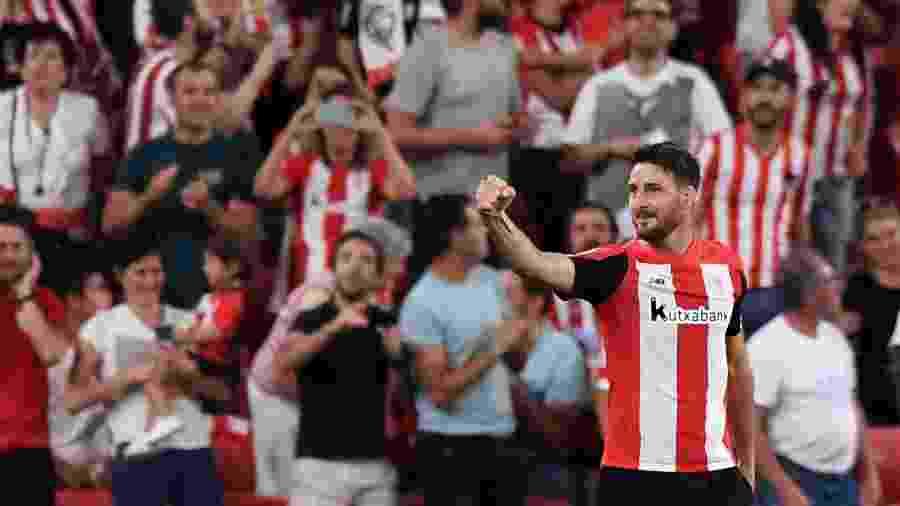 Aduriz comemora gol do Athletic Bilbao contra o Barcelona - REUTERS/Vincent West