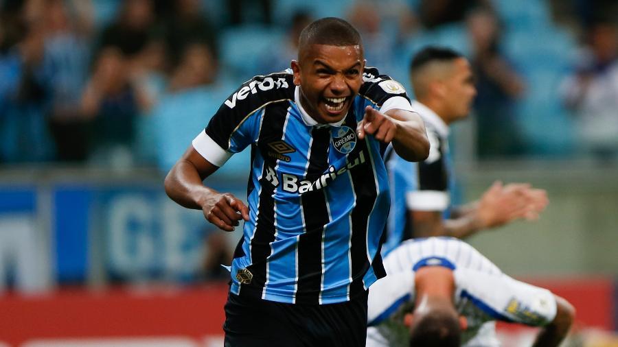 David Braz rescinde com o Grêmio para atuar no Fluminense - Jeferson Guareze/AGIF