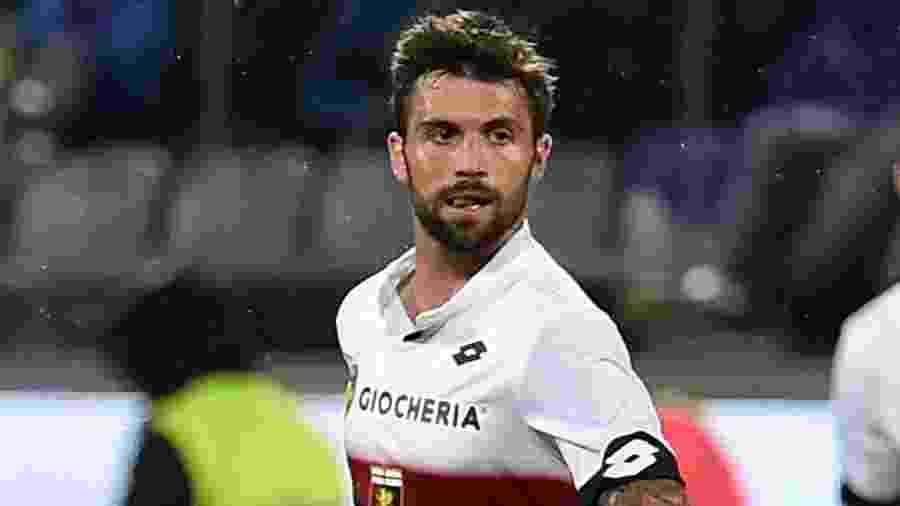 Daniel Bessa em ação pelo Genoa durante jogo contra a Fiorentina, em 2019 - Giuseppe Bellini/Getty Images