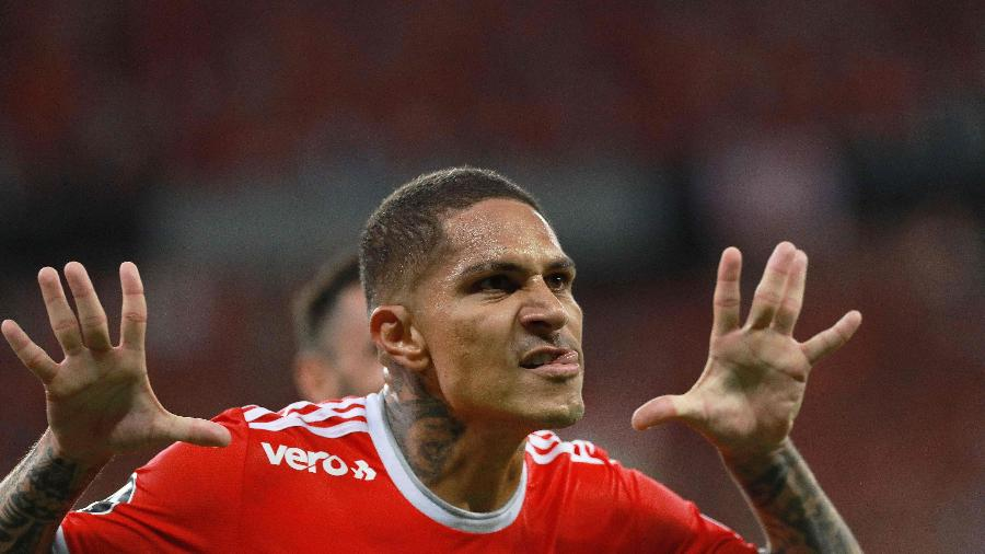 Guerrero estaria descontente com Inter e agente desagradou a direção com nota - SILVIO AVILA / AFP