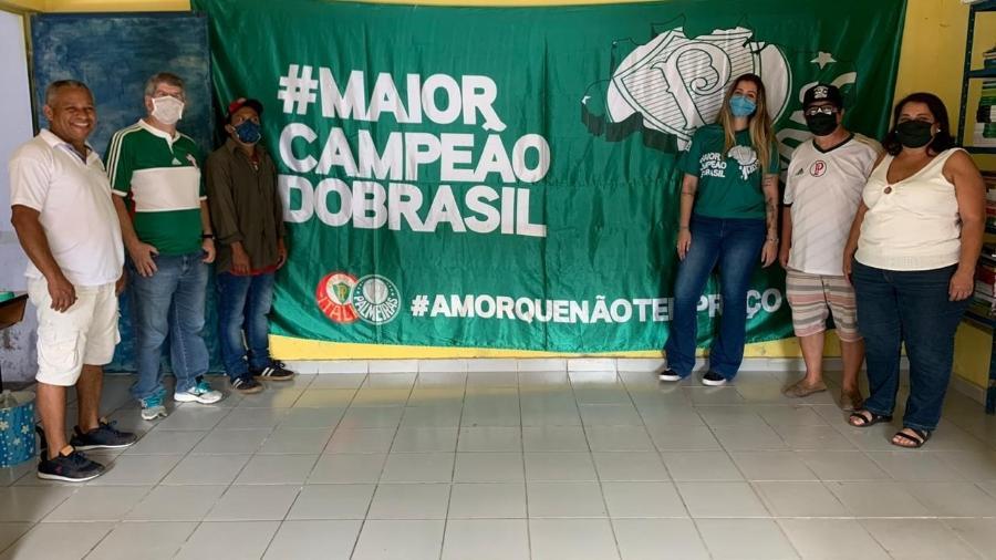 De verde, Clara Paiva em ação realizada em comunidade da Vila Prel, na zona sul de São Paulo - Arquivo Pessoal