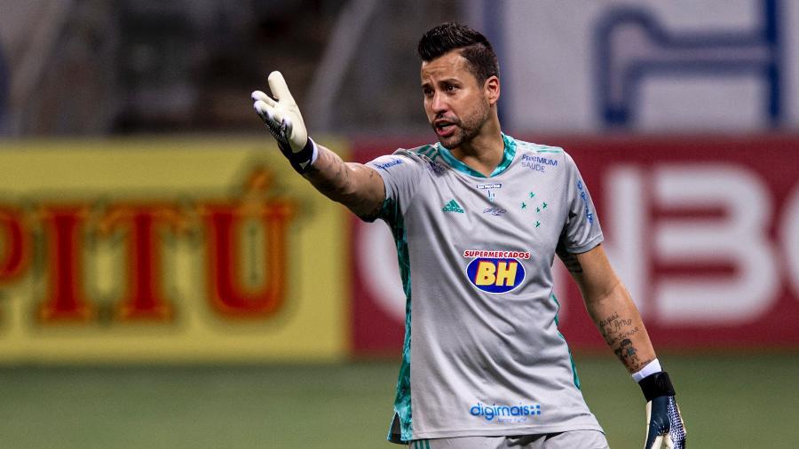 Fábio em ação pelo Cruzeiro contra o Sampaio Corrêa - Marcelo Alvarenga/Foto FC/UOL