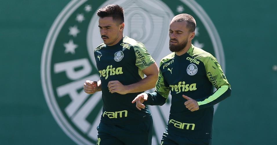 Willian e Lucas Lima durante treino do Palmeiras nesta terça (23), na Academia de Futebol