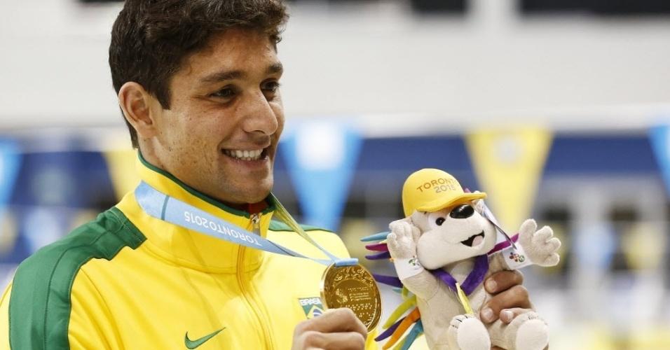 Thiago Simon com medalha de ouro nos 200m peito