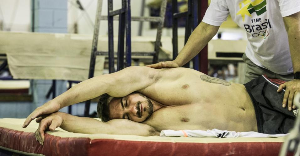 Especial Arthur Zanetti: Maria Eugênia Ortiz, fisioterapeuta do ginasta