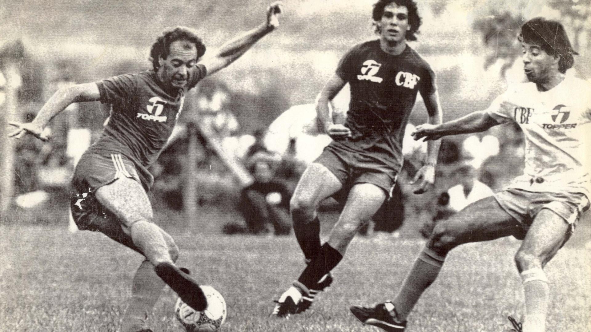 Falcão (esq.), Casagrande (ao centro.) e Mauro Galvão em treino da seleção brasileira em 1986