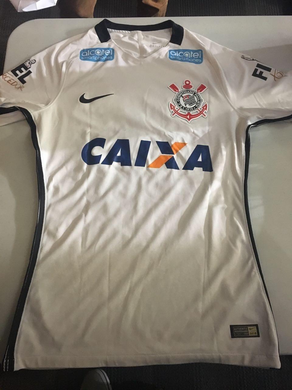 Corinthians anuncia novo patrocinador e já usará camisa com a marca -  16 03 2017 - UOL Esporte 06da5fd19856d