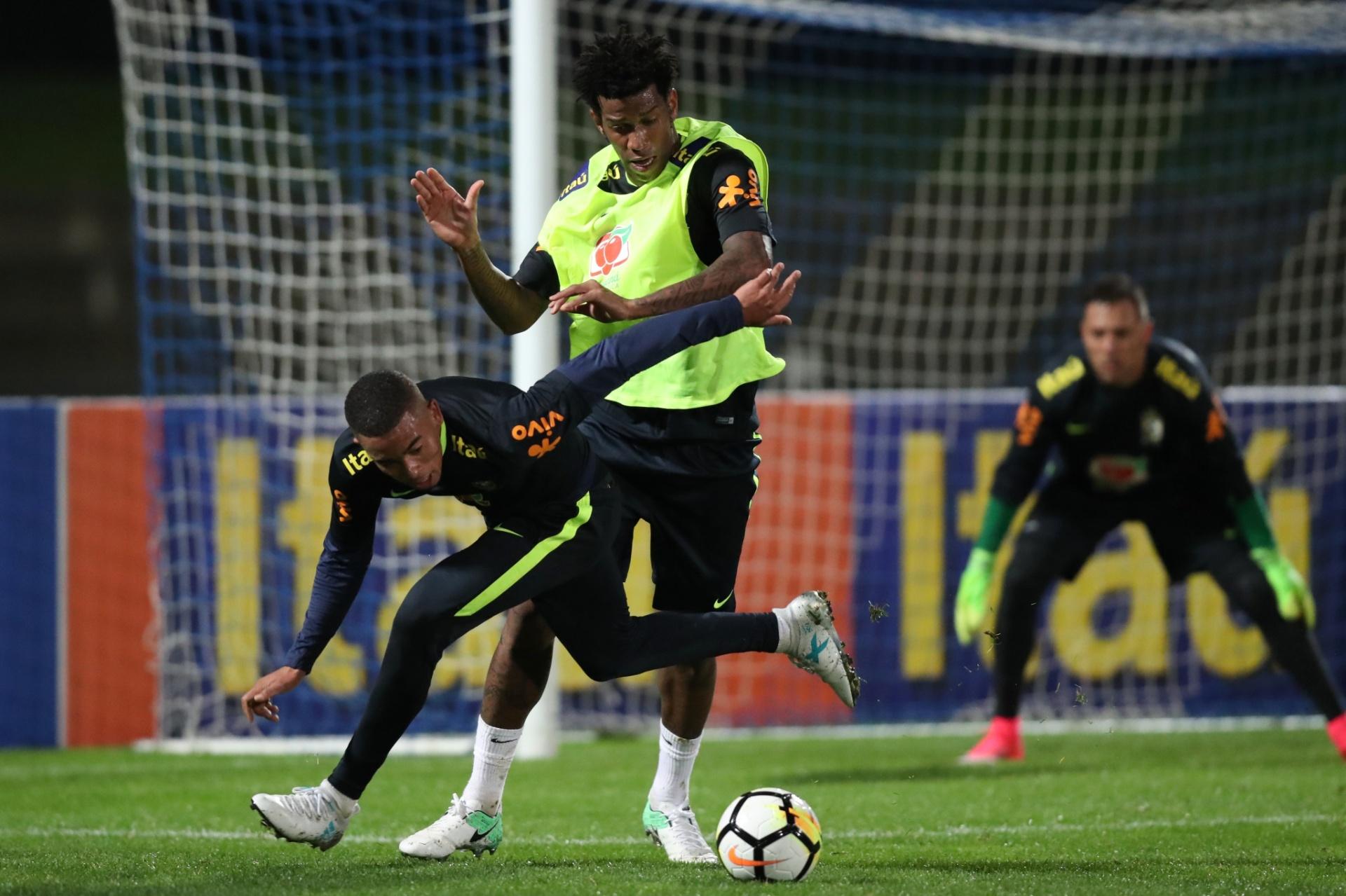 2ce05d7714 Seleção brasileira faz 1º treino em campo na Austrália para amistosos -  05 06 2017 - UOL Esporte
