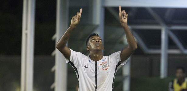 Jô é o principal destaque do Corinthians em campanha no Brasileirão