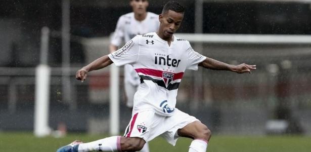 Paulinho Boia na base do SP; atacante pode mudar de nome na ida para o profissional