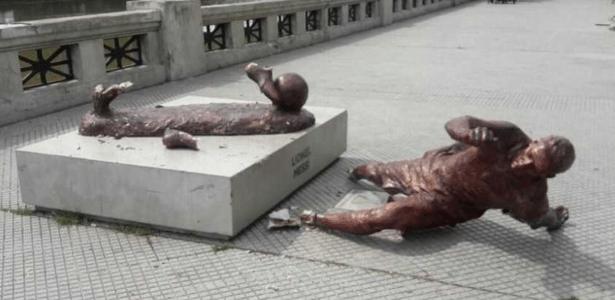 Estátua de Messi sofre vandalismo na Argentina