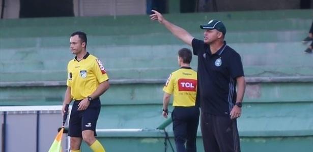 Sandro Forner busca primeira vitória pelo Coxa