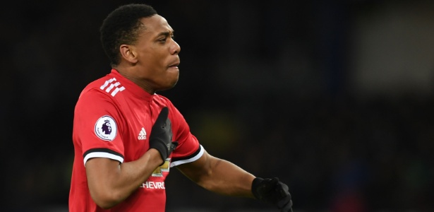 Martial comemora o primeiro gol do United contra o Everton