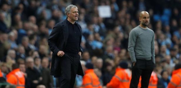 Guardiola foi derrotado por Mourinho no dérbi de Manchester deste sábado