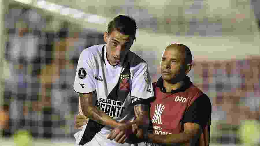 Atacante Rildo dirigia o carro com os jogadores do Vasco que foram assaltados - Thiago Ribeiro/AGIF