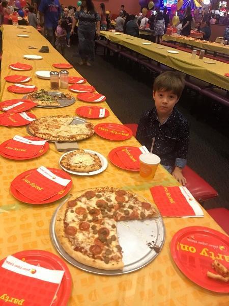Nenhum convidado compareceu à festa de aniversário de Teddy Mazzini, de 6 anos - Reprodução