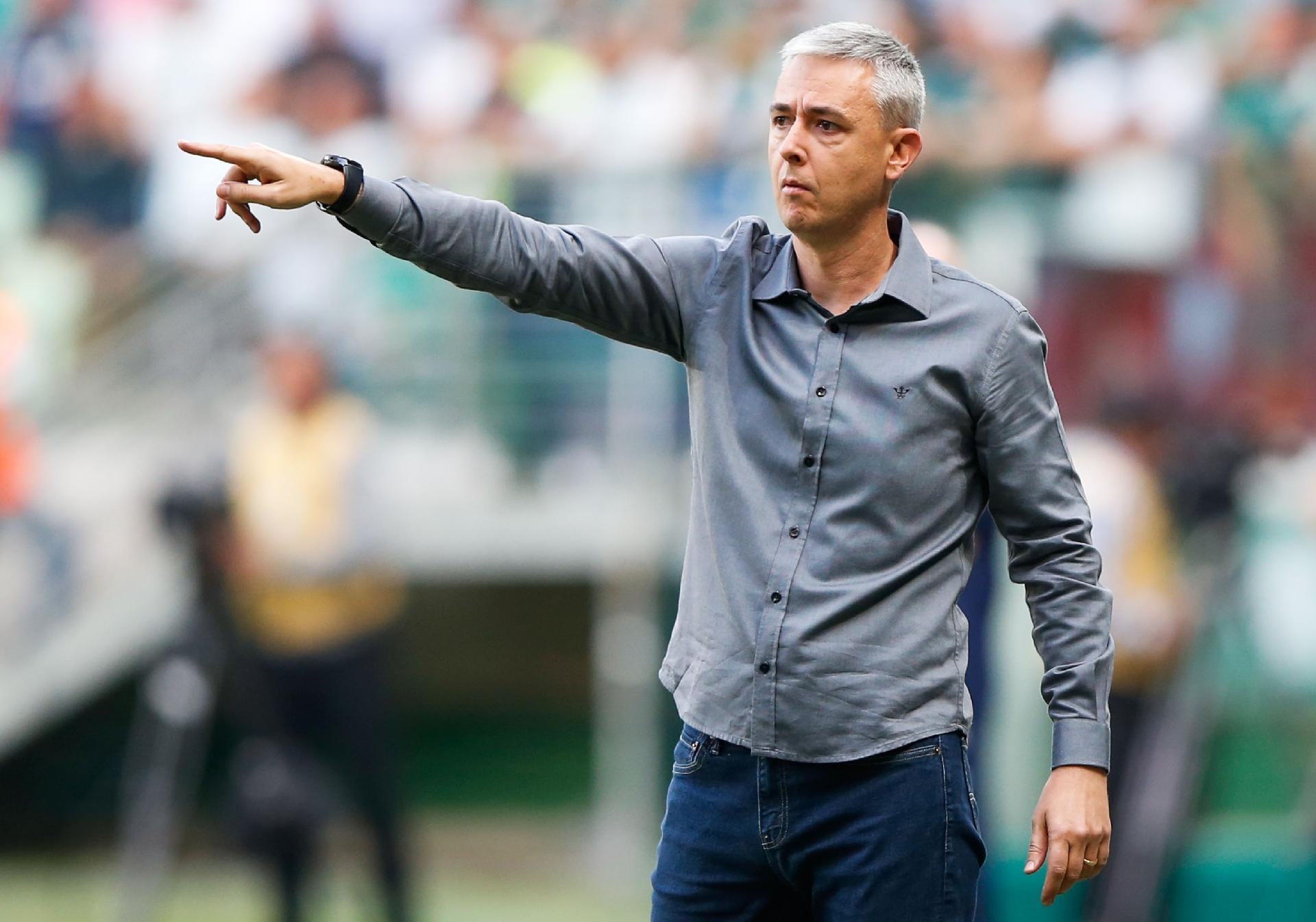 Resultado de imagem para Tiago Nunes pode levar ao Corinthians três jogadores do Athletico; veja caso de cada um