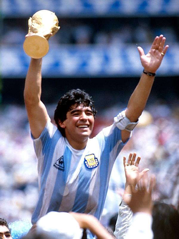 """Maradona na conquista da Copa do Mundo FIFA de 1986, após o episodio da """"la mano de Dios"""""""