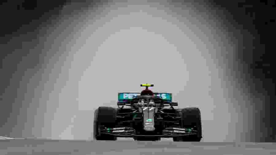 Valtteri Bottas, da Mercedes, durante treino com chuva para o GP da Hungria - LAT/Mercedes