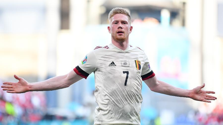 De Bruyne comemora gol marcado para a Bélgica diante da Dinamarca pela Eurocopa - Stuart Franklin/Getty Images