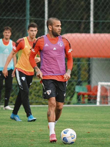 Daniel Alves, durante treino do São Paulo - Erico Leonan/São Paulo FC