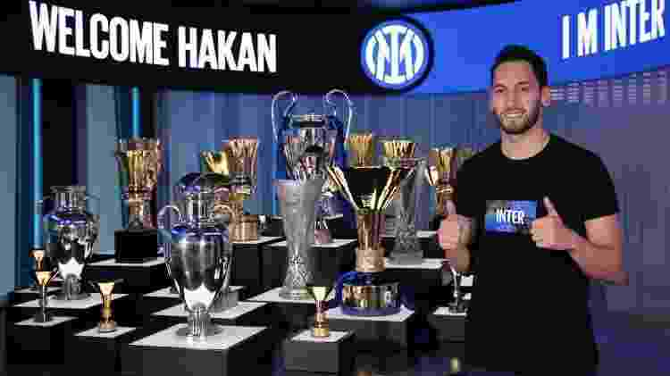 Hakan Calhanoglu (Inter de Milão) - Divulgação - Divulgação
