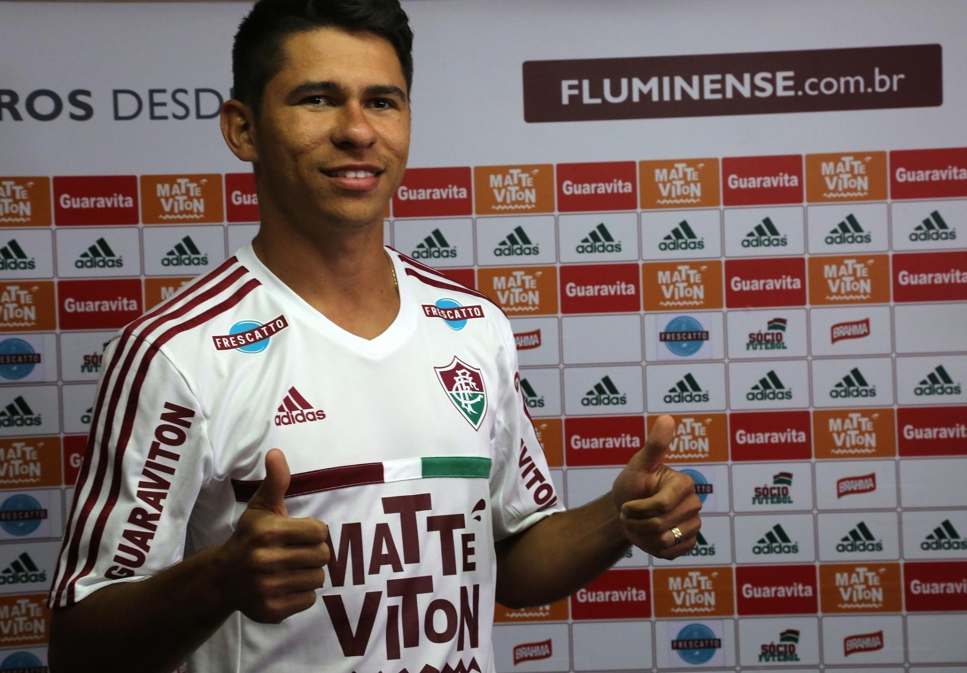 831806d9d1 Fluminense anuncia contratação do atacante Osvaldo em definitivo até 2018 -  Esporte - BOL