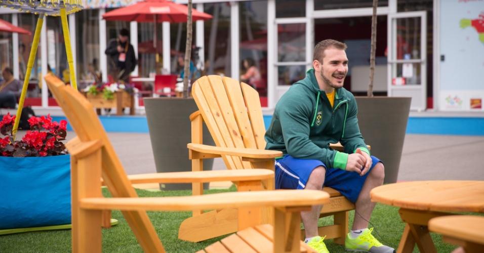 Principal nome da ginástica brasileira no Pan de Toronto, o campeão olímpico Arthur Zanetti conhece os espaços de convivência da Vila Pan-Americana
