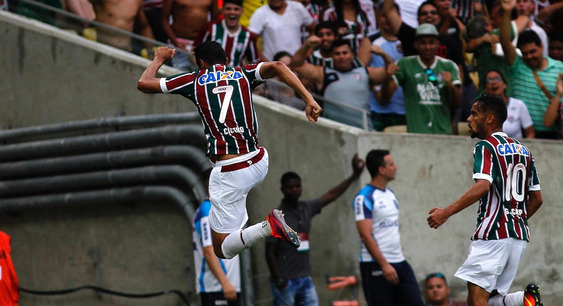Cícero marca para o Fluminense contra o Atlético-PR