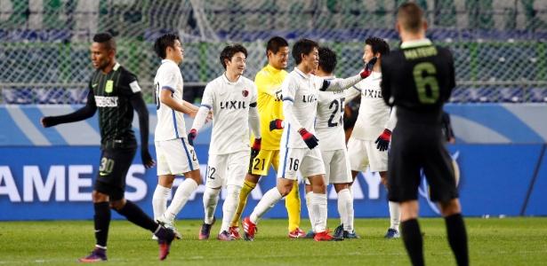 Kashima Antlers comemora vitória sobre o Nacional; clube é o primeiro asiático na final