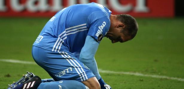 Fernando Prass tem contrato até o fim da temporada, mas ainda não sentou com Palmeiras