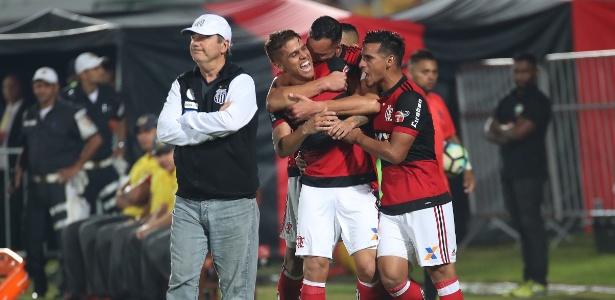 Levir Culpi lamenta segundo gol do Flamengo na partida de ida na Ilha do Urubu