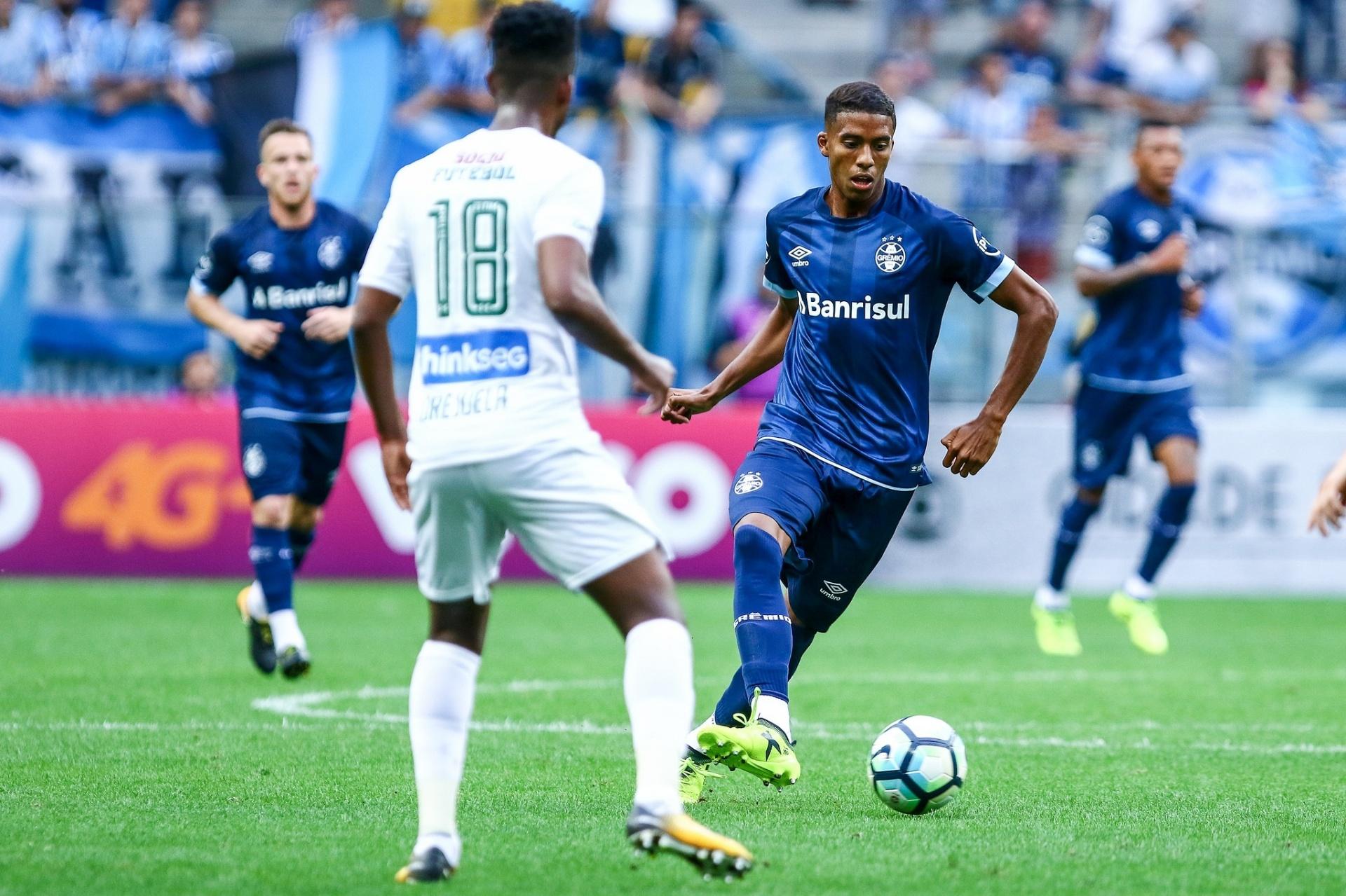 Grêmio promove Jean Pyerre e aumenta opções no meio-campo - 24 07 2018 -  UOL Esporte c68b2ea38be29