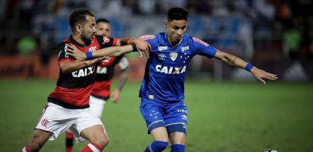 Diogo Barbosa (à dir.) está na mira do Palmeiras para a próxima temporada