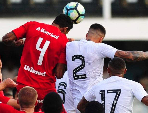 Inter venceu o Santos por 3 a 1 no Beira-Rio e foi campeão com 1 a 1 na Vila