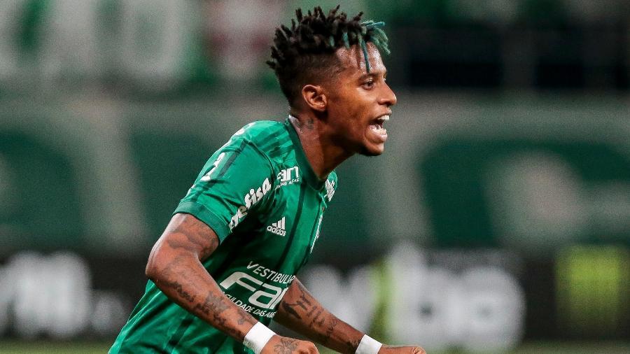 Tchê Tchê em ação durante jogo do Palmeiras contra o Santo André  - Ale Cabral/AGIF